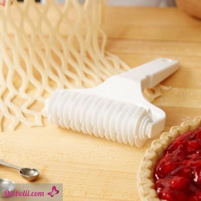 Валяк за мрежовидна декорация на тесто